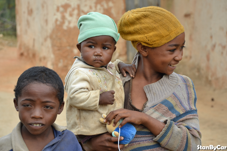 DES ENFANTS MALAGASY